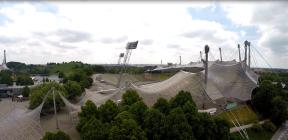 Olympiadach aus einiger Entfernung