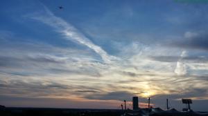Quadrocopter am Abendhimmel